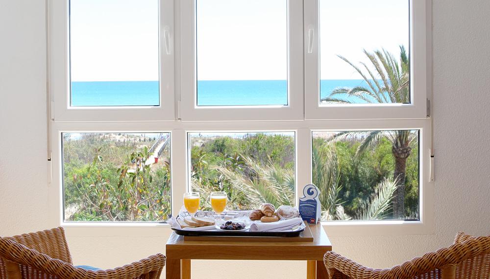 habitacion-panoramica-con-vistas-al-mar