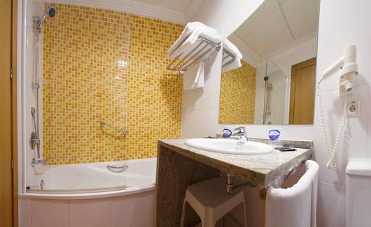 habitacion-doble-estandar-de-uso-individual-vista-mar-3
